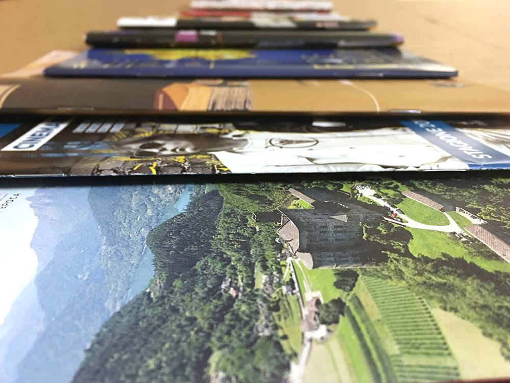 Brochure promozionali a punto metallico